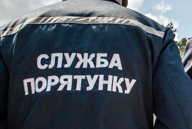 899089-u-zhitomiri-5-richniy-divchintsi-yaka-zastryagla-mizh-perilami-znadobilas-dopomoga-ryatuvalnikiv